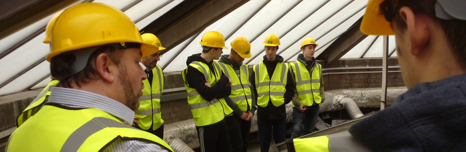Hull College Students at Ferens Art Gallery Refurbishment